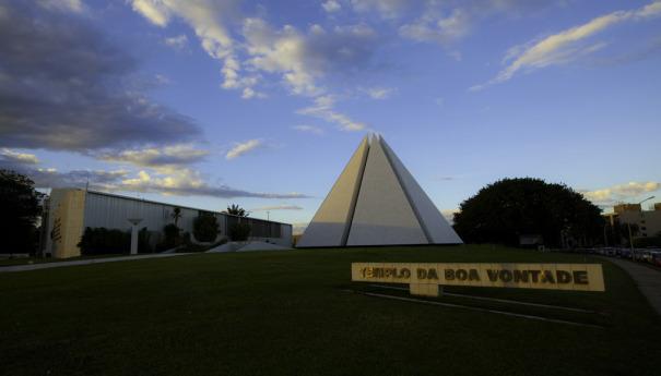 Templo da Boa Vontade completa 25 anos